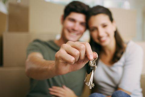 Programa Porta 65: Apoiar o arrendamento por jovens isolados/as, constituídos/as em agregados ou em coabitação.