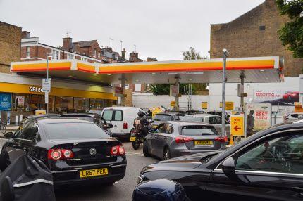 Militares começam a distribuir combustível na segunda-feira no Reino Unido